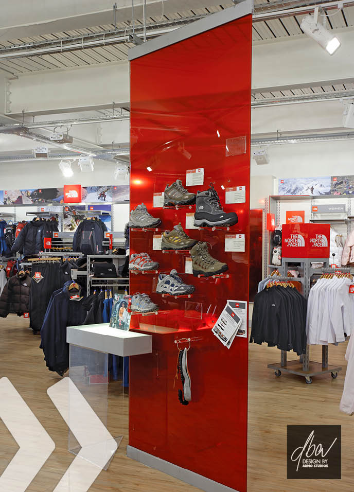 the north face 04 shop in shop präsentationssysteme shopfitting