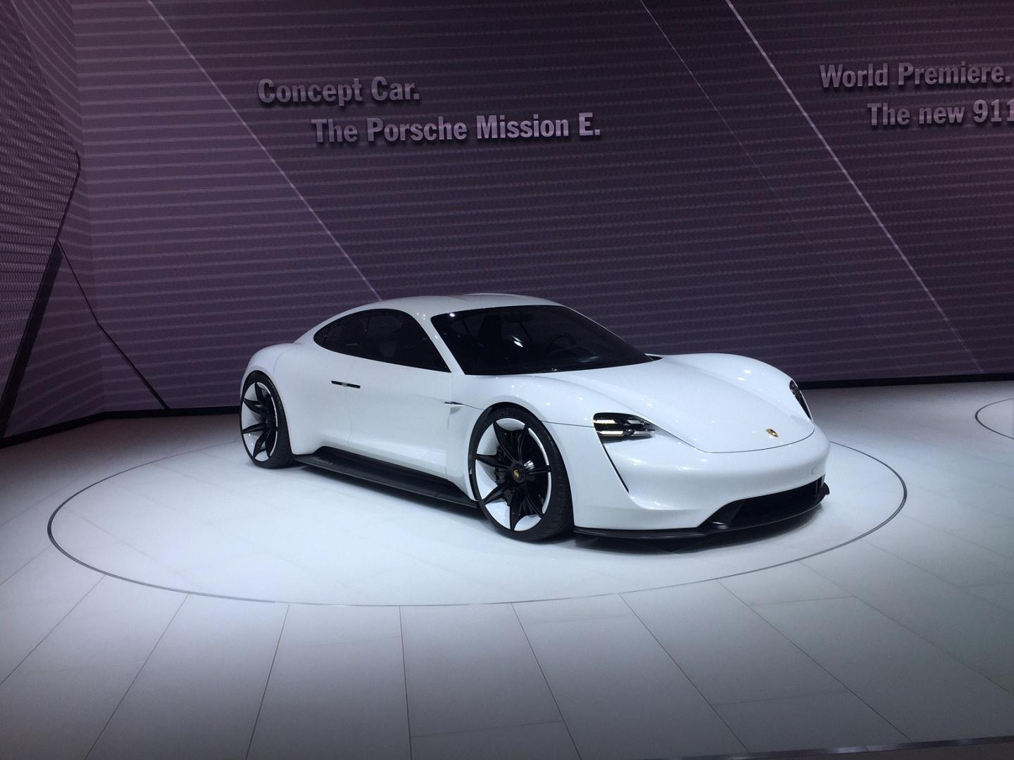 IAA 2015 - Porsche Mission E Concept Car