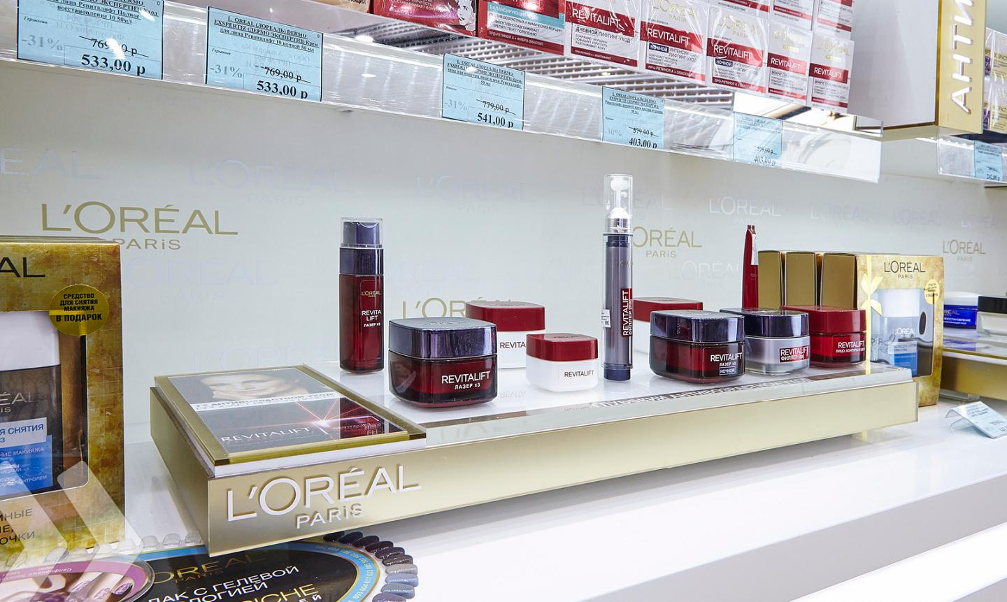 L'Oréal Shop in Shop Russia 08