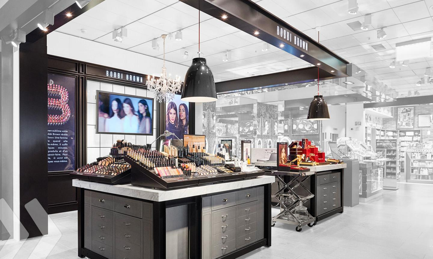 Bobbi Brown Shop in Shop 02