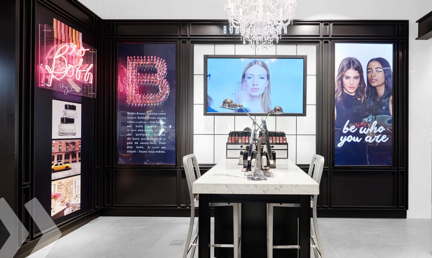 Bobbi Brown Shop in Shop 03