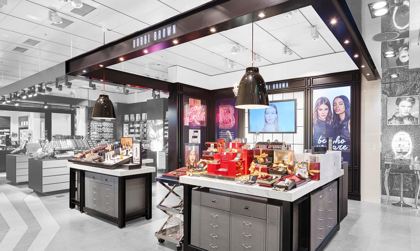 Bobbi Brown Shop in Shop 04