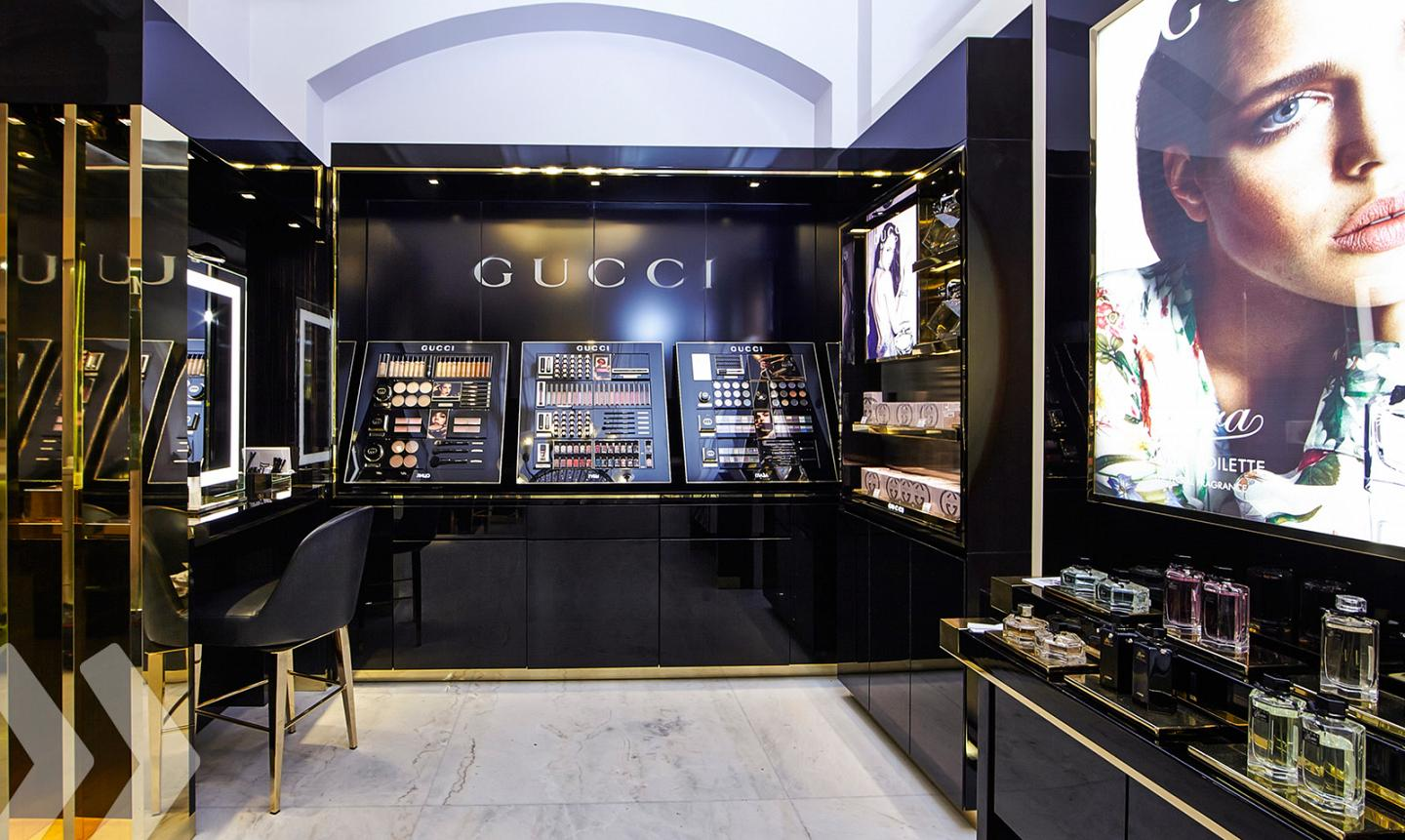 Gucci Shop in Shop 01