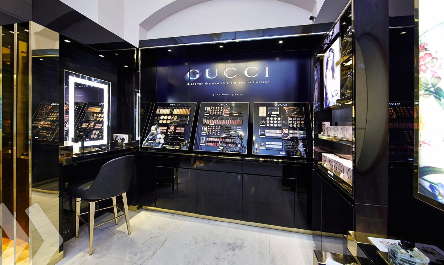Gucci Shop in Shop 03