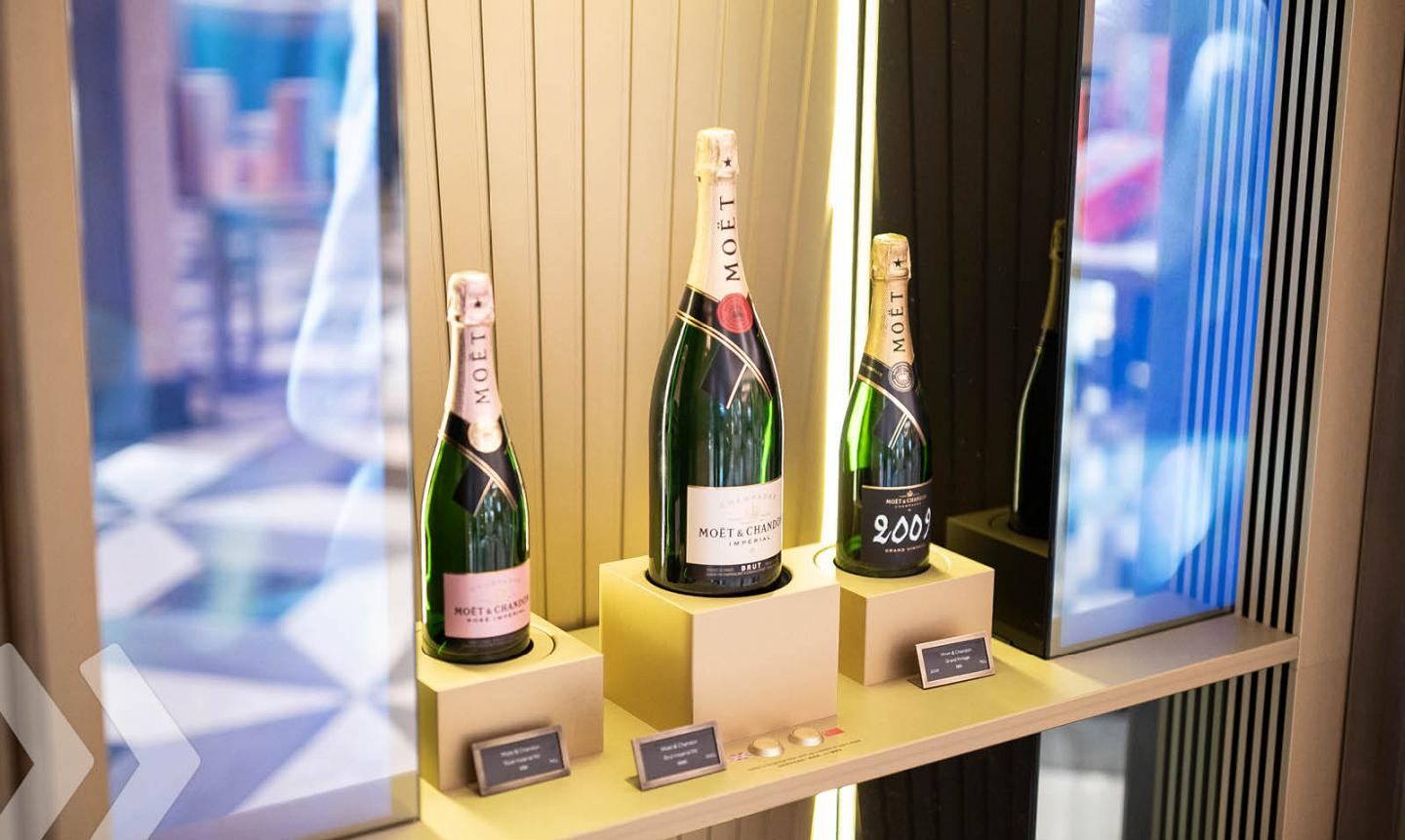 Moët & Chandon Shop in Shop by ARNO 02