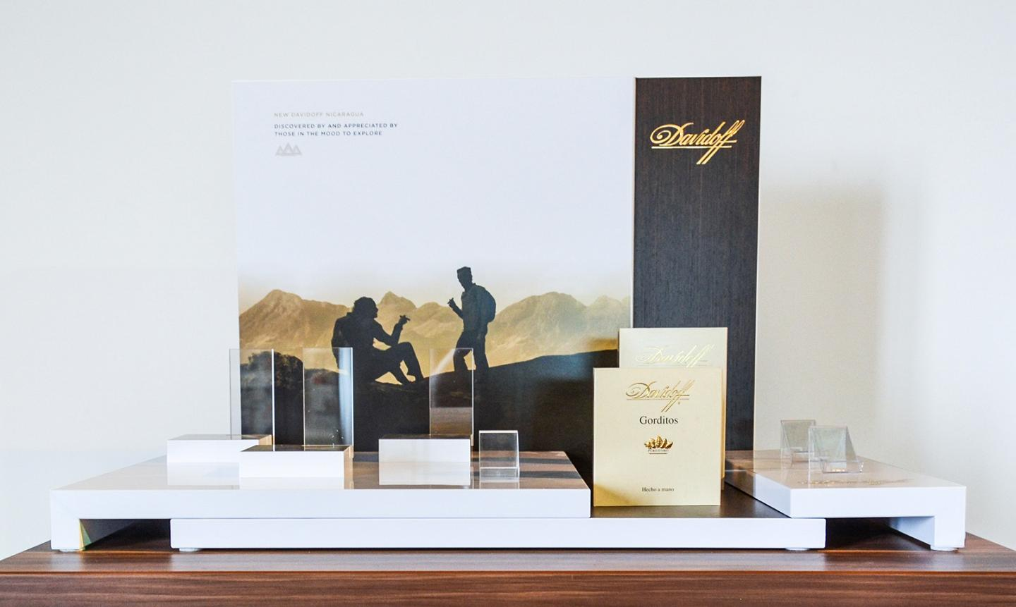 Window Display Davidoff